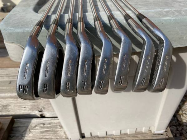 Photo Golf Clubs-Cobra iron set - $75 (SKC)