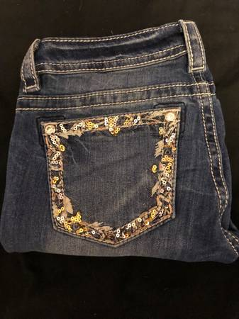Photo Miss Me skinny jeans - size 28 - $30 (Manhattan)