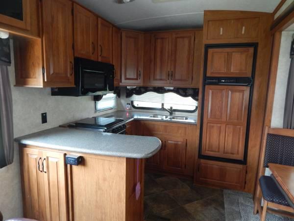 Photo Montana 5th wheel - $27,500 (Easton)