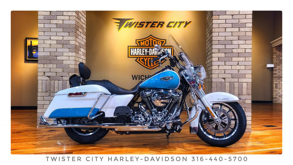 Photo Used 2016 Harley-Davidson Touring Motorcycle  $21999
