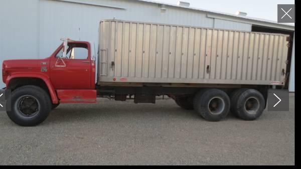 Photo 1979 Chevy C70 Grain Truck - $13000
