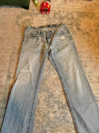 Photo 1 pair Big Star, 1 Rock Revival, 2 BKE - $100 (LaCrosse)