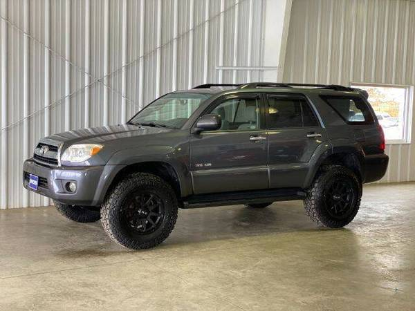 Photo 2007 Toyota 4Runner SR5 - Lifted - New WheelsTires - $13,997 (La Crescent)