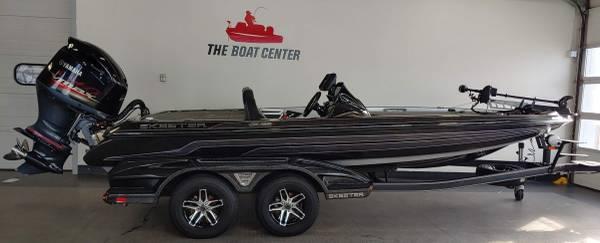 Photo 2018 Skeeter FX20 Bass Boat - CLEAN - $56,990 (Chippewa Falls)