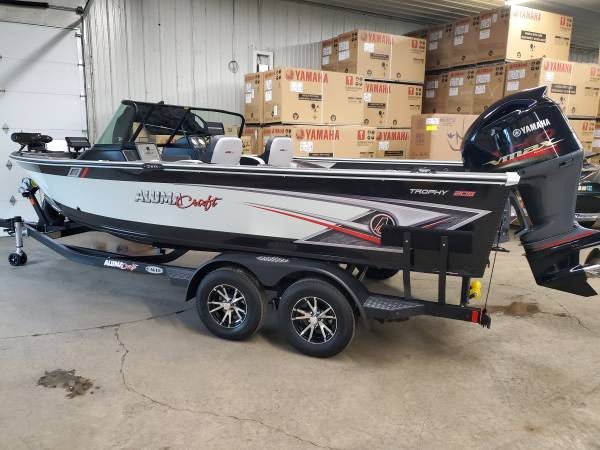 Photo 2020 Alumacraft Trophy 205 with Yamaha SHO, and accessories (Faribault)