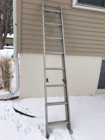 Photo Aluminum Extension Ladder Werner 16 ft - $50 (Onalaska)