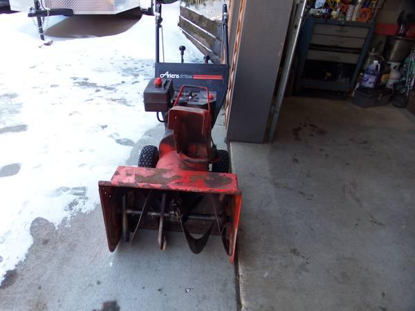 Photo Ariens 24quot Snow Blower - $175 (Goose Island Area)