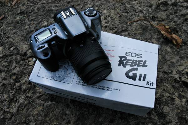 Photo Canon Rebel G11 film camera - $10 (baraboo)