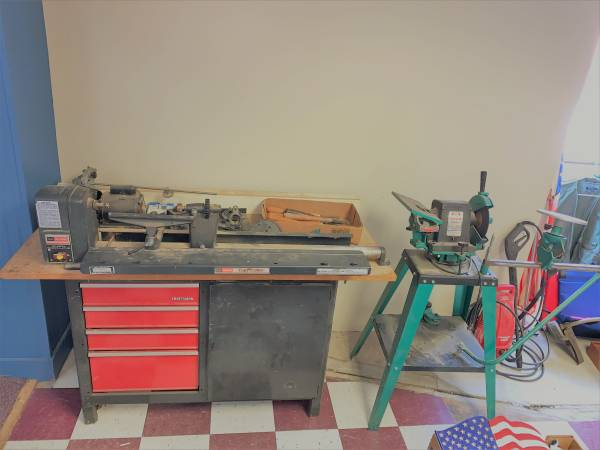 Photo Craftsman Wood Lathe-Hand tools Large Online Estate Auction (Cresco)