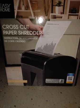 Photo Easy Home, Cross Cut Paper Shredder with Bin  Wheels. - $50 (La Crosse)