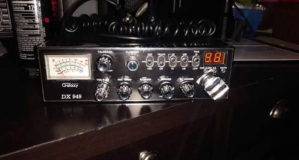 Photo Galaxy dx 949 cb radio - $100 (Houston mn)