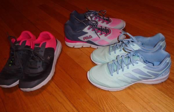 Photo Girls size 6 New Fila Tennis Shoes - $10 (la crosse ss)