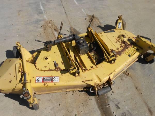 Photo John Deere 855 60 inch mower deck - $600 (elroy)