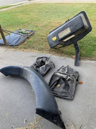 Photo John Deere rear bagger - $1 (La Crescent, MN)