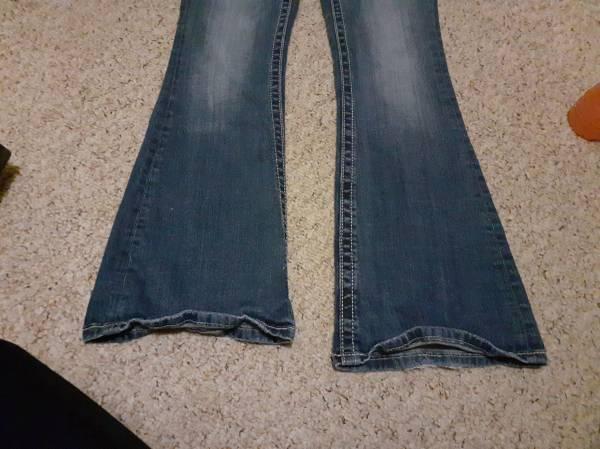 Photo Miss Me Jeans Size 27 - $60 (Onalaska)