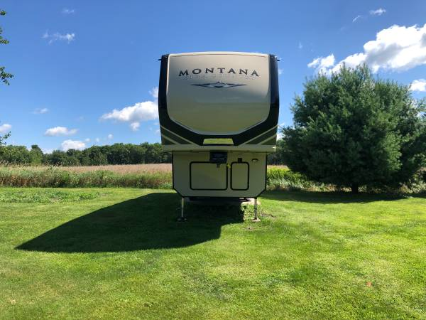 Photo Montana 5th wheel RV - $46,500 (Chetek)