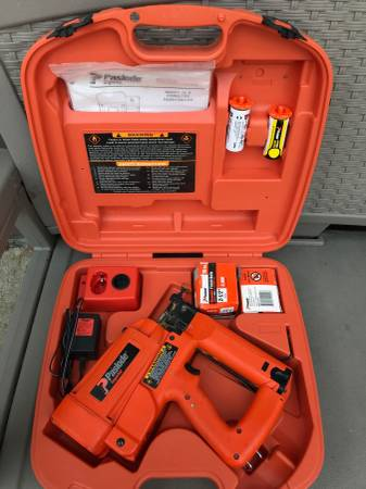 Photo Paslode 16 gauge cordless finish gun - $225 (onalaska)