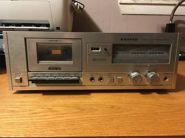 Photo Sanyo Cassette Player - $20 (La Crosse)