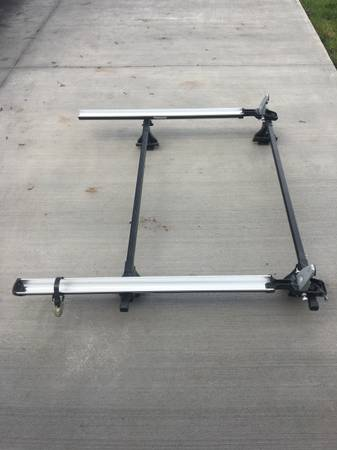 Photo Thule Roof Rack Crosse Bars with (2)bike mount rack. - $100 (Onalaska)