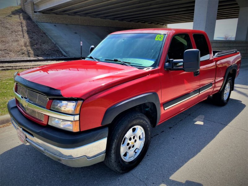 Photo Used 2003 Chevrolet Silverado 1500 4x4 Extended Cab for sale