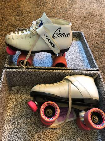 Photo Vintage Carrera Roller Skates and Rollerbones Case - $100 (La Crosse)