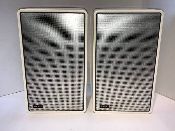Photo Vintage Pair Advent 2 Speakers - $225 (West Salem)