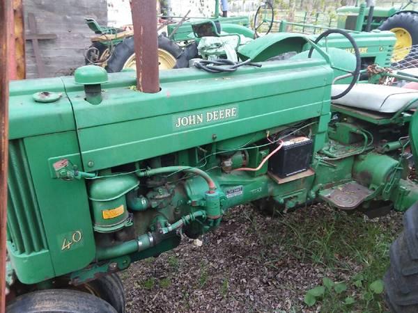 Photo john deere farmall moline tractors quot40, R, 630, B, 4010, 350quot - $1 (ontario)