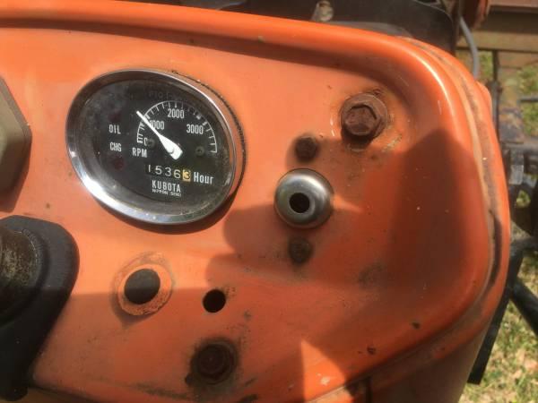 Photo 1984 Kubota 245L HC tractor for sale - $4,300 (Saint Martinville)