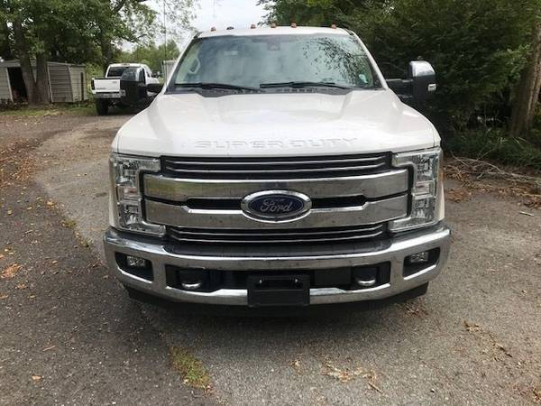 Photo 2017 FORD F350 CREW CAB DUALLY LARIAT - $58,000 (LAFAYETTE)