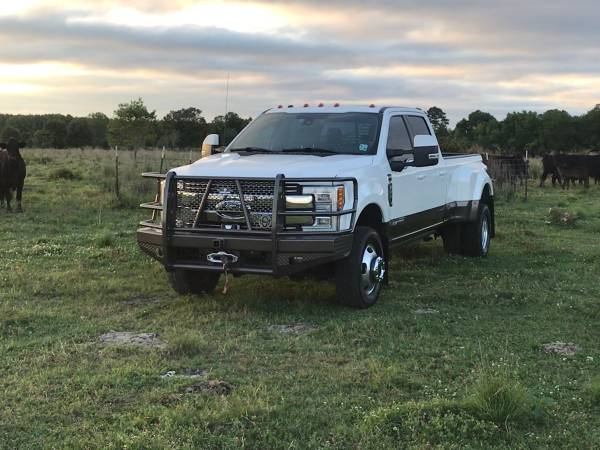 Photo 2017 Ford F350 4x4 Crew Cab King Ranch DRW LOADED - $57,000 (Lafayette)
