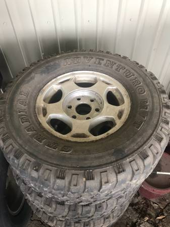 Photo 4 16 Chevy rims for sale with center caps - $150 (Port Barre)