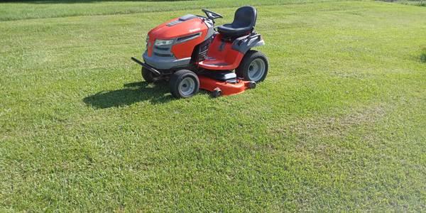 Photo 54quot Husqvarna riding lawn tractor mower - $1,600 (Carencro, la. 70520)
