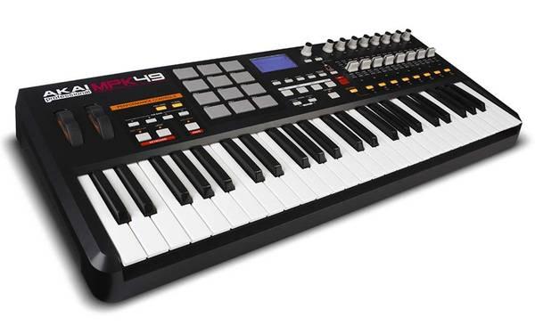 Photo Akai MPK49 USBMIDI Keyboard, Like New - $150 (Youngsville)