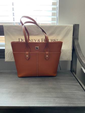Photo Dooney and Bourke Saffiano Tote - $150 (Lafayette)
