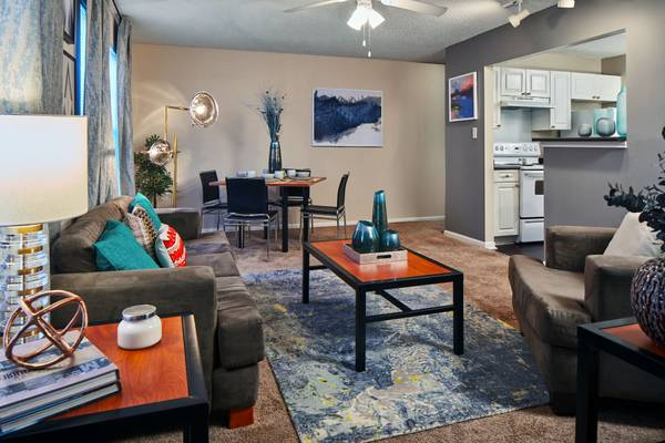 Photo Fully Furnished Two Bedroom Apartments. Lease Today for Fall 2020 (Lafayette)
