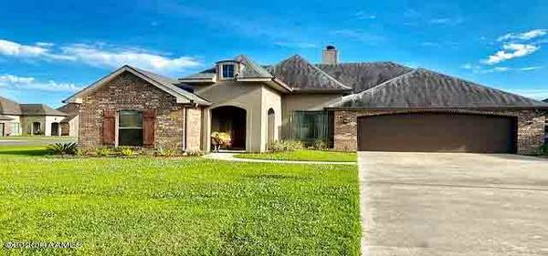 Photo Home is available Get ready to fall in love with this one (Black Water River Dr, Lafayette, LA)