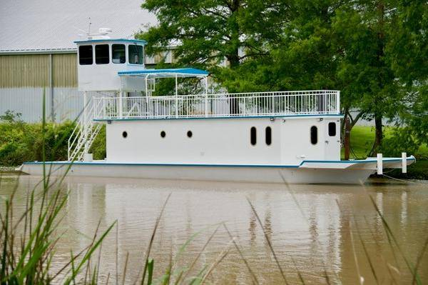 Photo Houseboat for TRAVELING  Superior Craft2020 Deckhouse on 1996 Hull - $482,000 (Jeanerette)