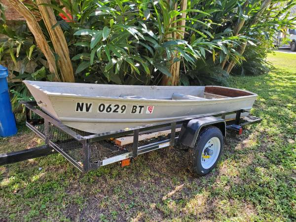 Photo Jon boat with trolling motor - $500 (Lafayette)