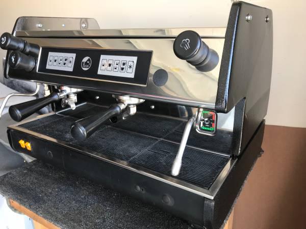 Photo La Pavoni commercial espresso machine - $1800