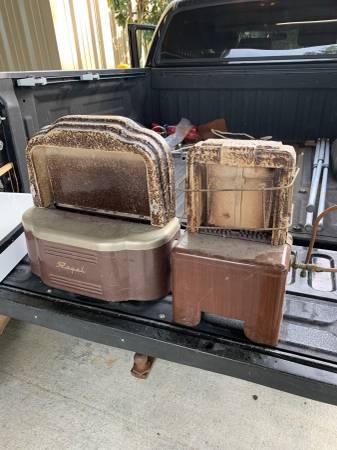 Photo Vintage gas space heater (Lafayette)
