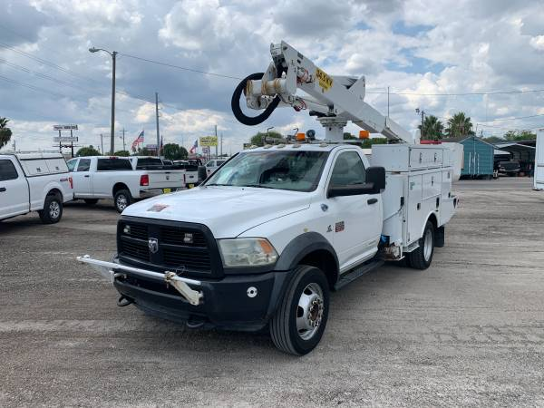 Photo 2012 RAM 5500 BUCKET TRUCK - $35,000 (Corpus Christi)