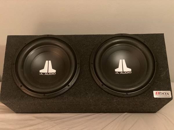 Photo 2 JL Audio 12 subs w Amp - $450 (Beaumont)