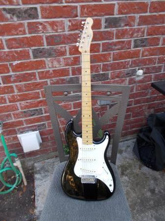 Photo 5 electric guitars, some vintage - $300 (Carencro)