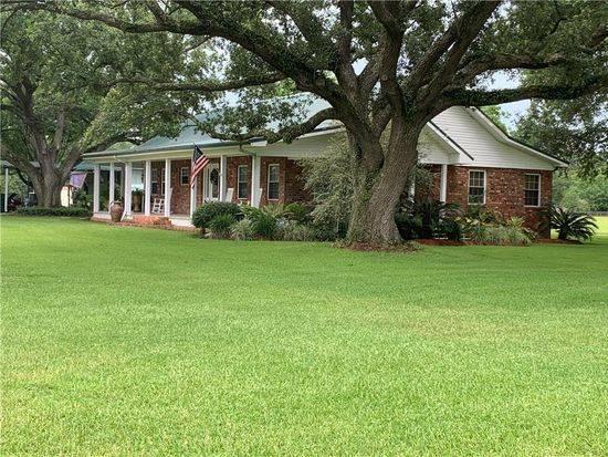 Photo 8.7 Acres with a houses in Vinton, LA 70668 For Sale  (Vinton)