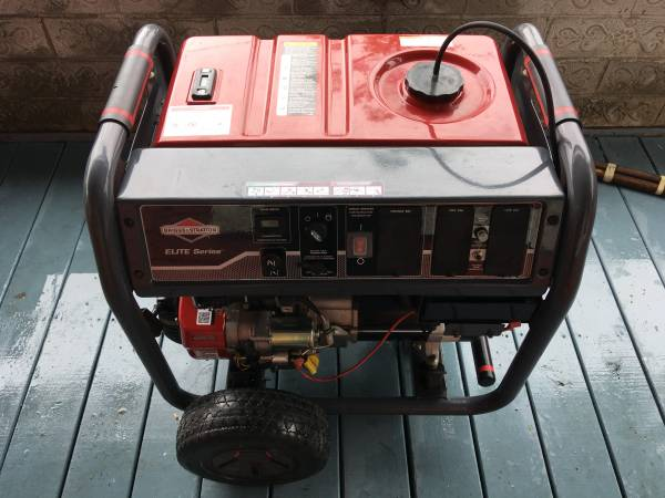 Photo Briggs and Stratton Generator, 145 hours total use, 7500 watts, Elite - $450 (Lake Charles)