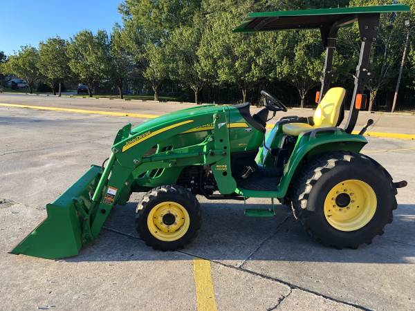 Photo John Deere 3320 Tractor 33HP 4WD Front End Loader HST 351Hrs - $15900 (Baton Rouge)