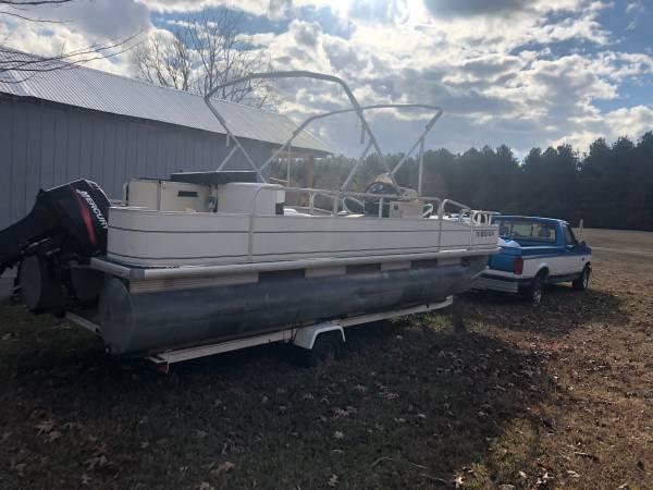 Photo Pontoon boat for sale - $4,000
