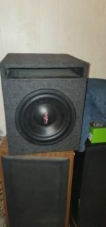 Photo Skar Audio Competition Series 10quot 4 ohm 650 watt rms in Skar Audio ported enclos - $150 (Scott)