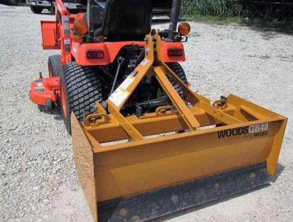 Photo special edition The 03 Year Tractor Belly Mower - $1,090 (Calcasieu)
