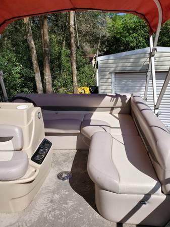 Photo 1639 Sun Tracker Pontoon Boat - $16,000 (Mount Dora)